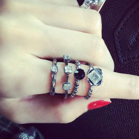Four Piece Rhinestone Alloy Index Finger Rings - lilyby