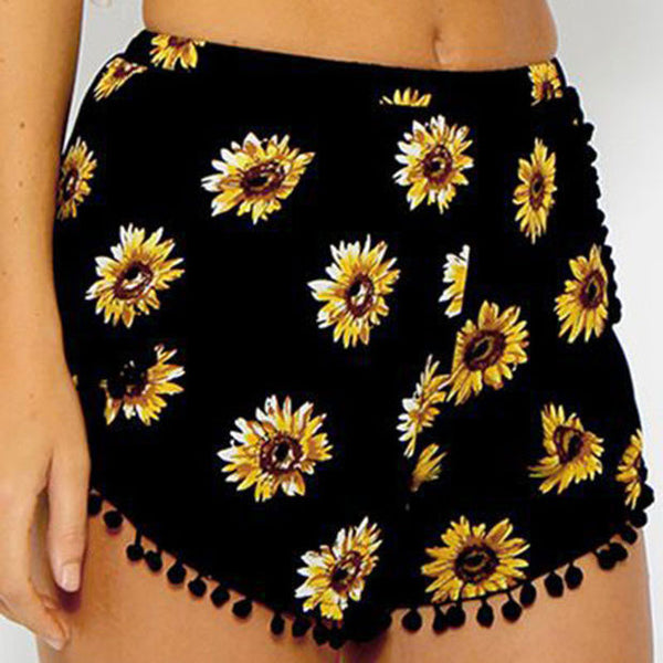 Chrysanthemum Print Trimmed Buttom Fringed Shorts - lilyby