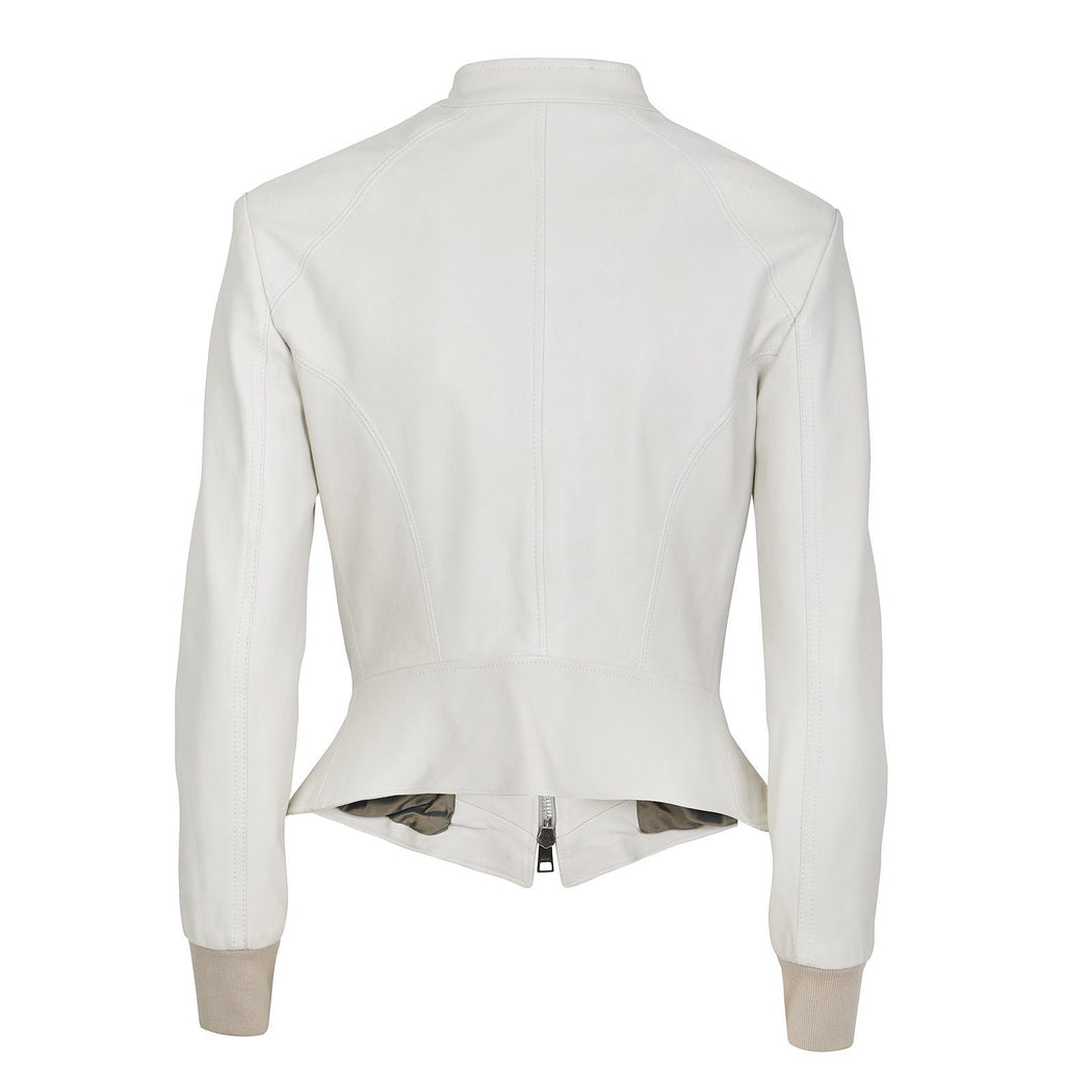 The Femme with Buttoned Tab Collar