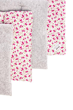 Marta Morgan Stable / Travel Bandage Pads (Grey Fleece with Pink Floral Cotton)
