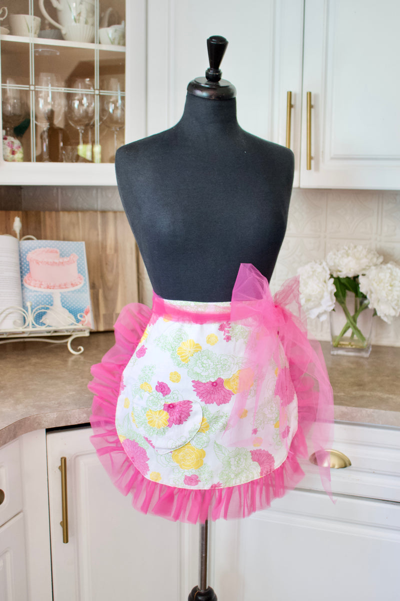 Divalicious Aprons in Pink Floral