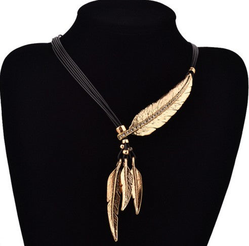 Bohemian Style Rope Chain Feather Pattern Necklace