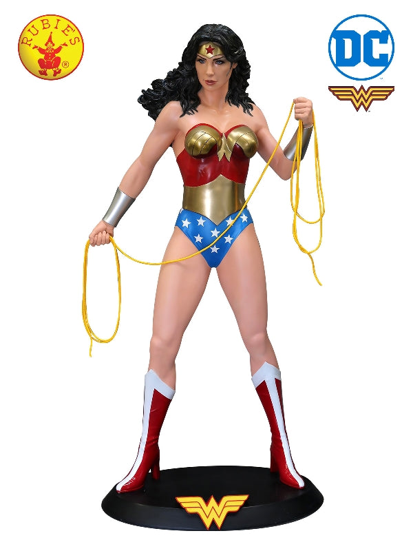 Wonder Woman Statue  - Collector'S Item