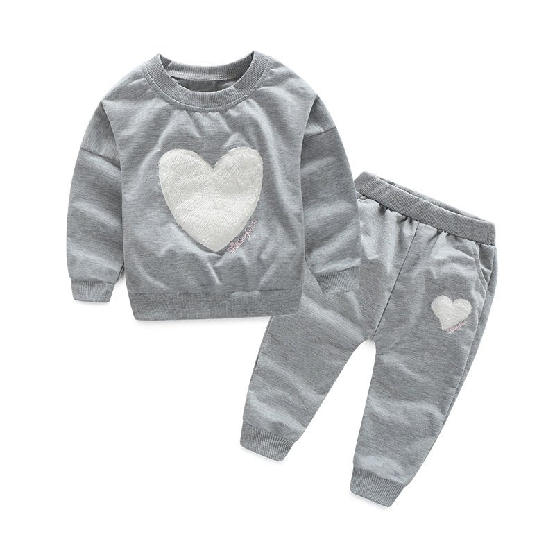 2016 New Baby Girl clothing Sets 2PCS Long sleeve Sweatshirts+Pants children Suits Princess Heart-shaped Print Bow girl clothes - thefashionique