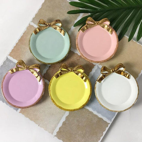 50pcs Lovely Golden Bowknot Resin Tray Table Decoration Dish Cake Plate Dessert Cup Holder Party Wedding Ornament 11*10CM