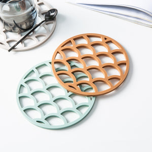 Creative Silicone Coaster Cup Mat Round Hollow Pad Cloud Shape Heat-insulated Non Slip Coaster Desktop Decoration 1pc - thefashionique