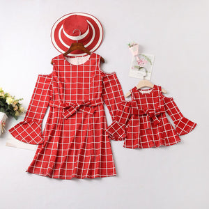 New Spring Family Matching Outfits Off Shoulder Plaid Printed Family Dress Ruffles with Bow Mommy and Me Clothing Vestidos
