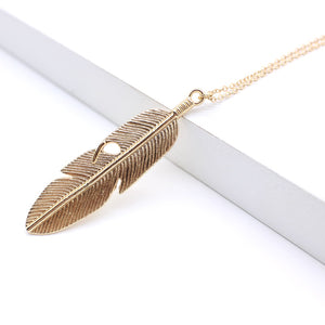 Simple Pendant Necklace Feather Necklace Long Sweater Chain Statement Jewelry Leaf Necklace For Women Collier Femme Collar Kolye