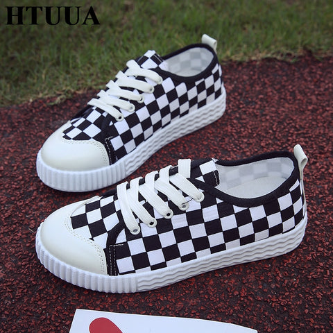 HTUUA Spring Autumn Flat Shoes Women Vulcanized Shoes Black Red White Plaid Sneakers Ladies Lace-up Casual Canvas Shoes SX1403