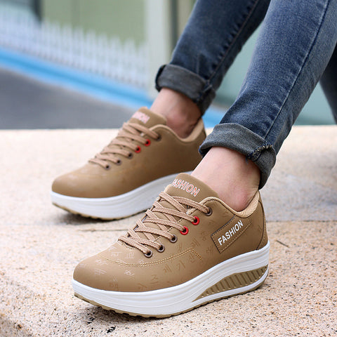 Hot Women Sneakers 2018 Breathable Waterproof Wedges Platform Vulcanize Shoes Woman Pu Leather Women Casual Shoes tenis feminino