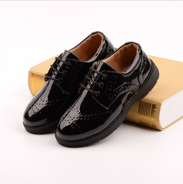 Kids Shoes Boys Flat Leather Shoes Black White High Quality Brogue Wedding Sneakers British Style Children Casual Shoes Fit Show - thefashionique