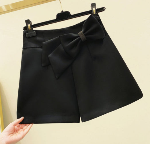 Skirt Female Summer 2020 New Korean Version of the Diamond Bow Wild Thin High-Waisted a Word Hip Short Skirts-Music of the Tide