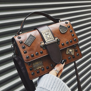 Small bag female 2020 new wild single shoulder diagonal portable fashion retro rivet personality small square bag