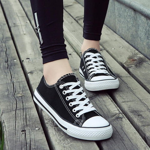 Smerilli 2018 Women Canvas Shoes Fashion Solid Color Women Vulcanized Shoes Lace-up Casual White Couple Shoes Woman Sneakers