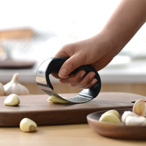 Stainless Steel Garlic Presses Manual Garlic Mincer Chopping Garlic Tools Curve Fruit Vegetable Tools Kitchen Gadgets - thefashionique