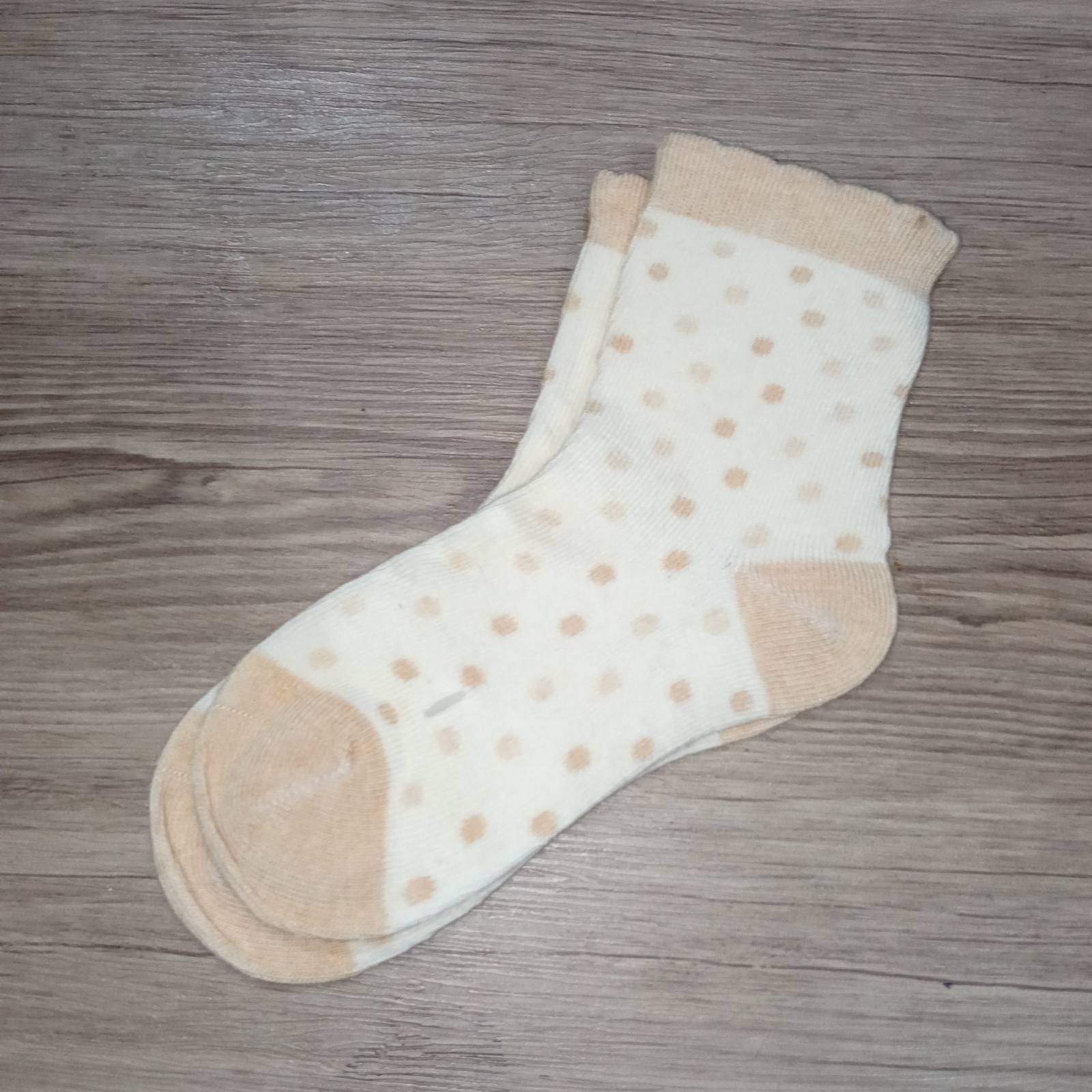 Nature Colored Cassidy Socks - Double Lt. Brown Dots