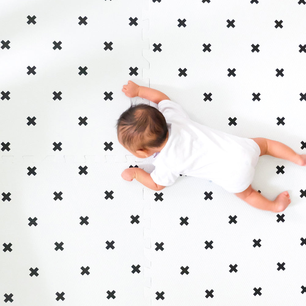 Bonjour Baby Extra Large Luxe Playmat (Scandinavian Cross)