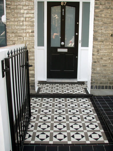 Lockwood White/Grey/Black exterior pathway