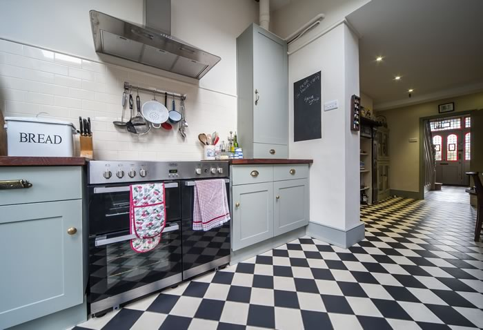 victorian style kitchen tiles how the victorians began our of kitchen tiles 6772