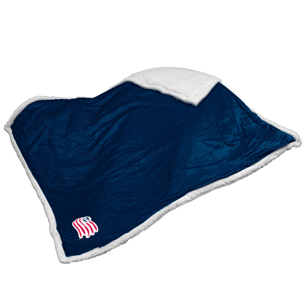 New England Revolution MLS Soft Plush Sherpa Throw Blanket (50in x 60in)