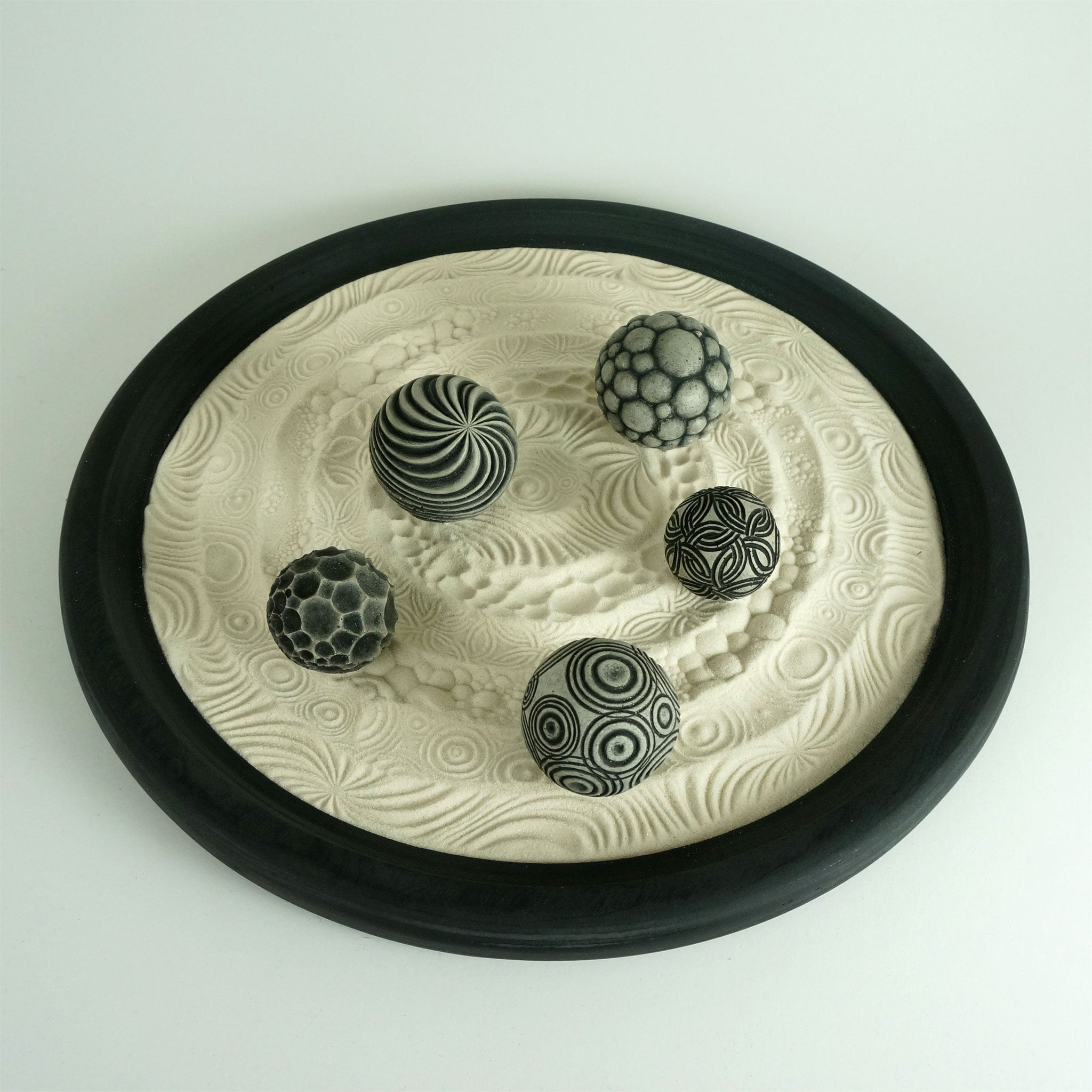 Create a Unique Zen Garden for Your Desk