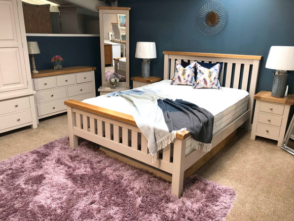 Bailey Oak Bedroom Range