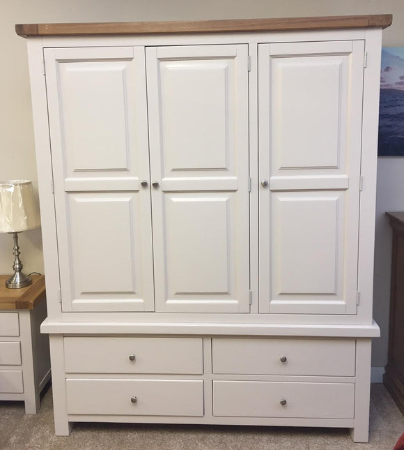Bailey Oak 3 Door Robe