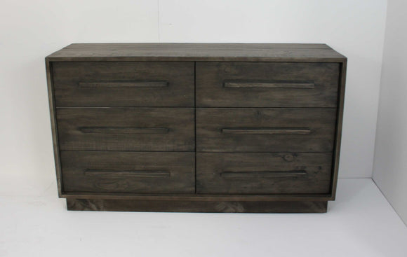 Manor Rustic Wide Chest