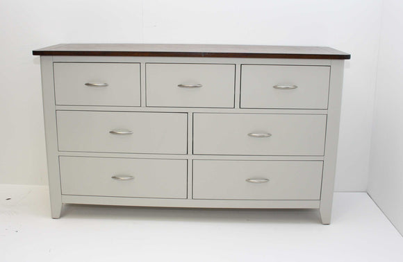 Pavilion Elite Wide Chest
