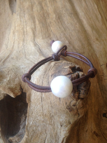 Single Freshwater Pearl and Leather Bracelet