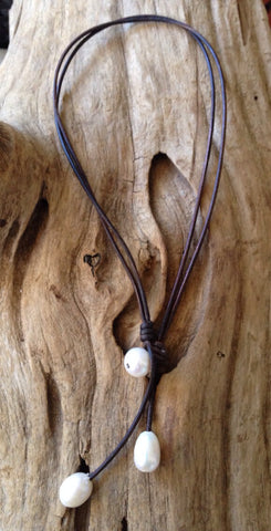 Oval Freshwater Pearl and Leather Necklace