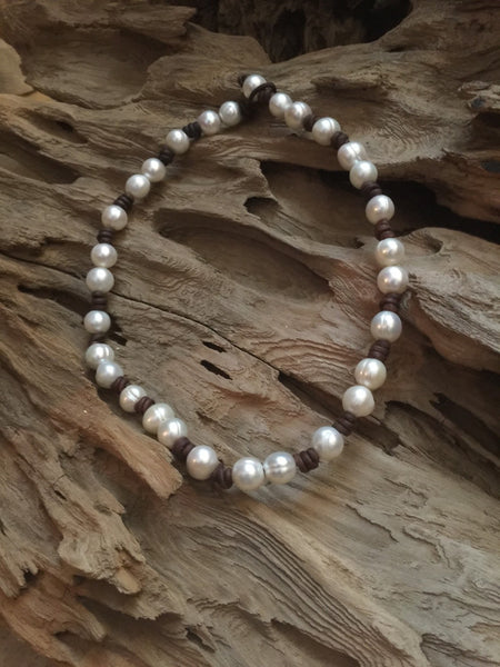 Classic Baroque Pearl and Leather Knotted Necklace
