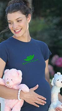 2 chix Maternity Tee - My pod has two peas - Along Came Baby, Ltd