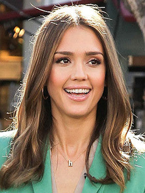 People Style Watch - The Scoop on Jessica Alba's Favorite New Necklace
