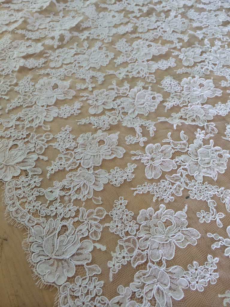 "Strip 4.5 yd of 36"" French Alencon Lace Trim Color: White Item #432-R36"