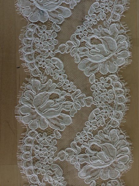 "Strip 4.5 yd of 6"" French Alencon Lace Trim Color: White Item #432-R6"