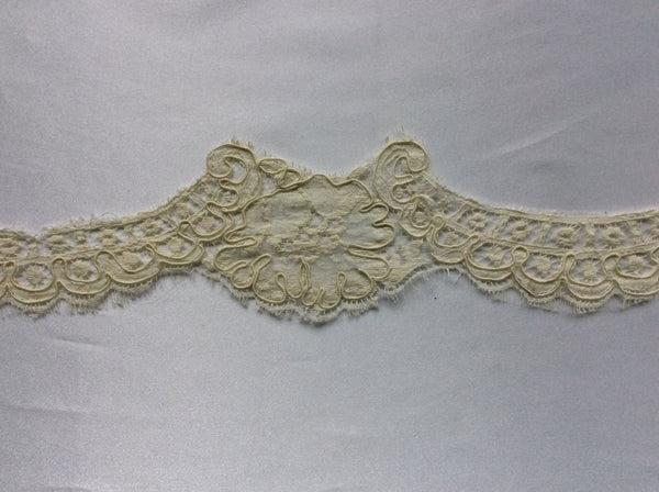 "2"" Vintage French Alencon Lace Scalloped Trim Color: Deep Ivory"