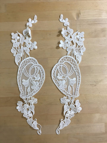 Ivory embroidered net Applique