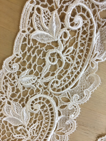 Ivory Lace Collar Applique