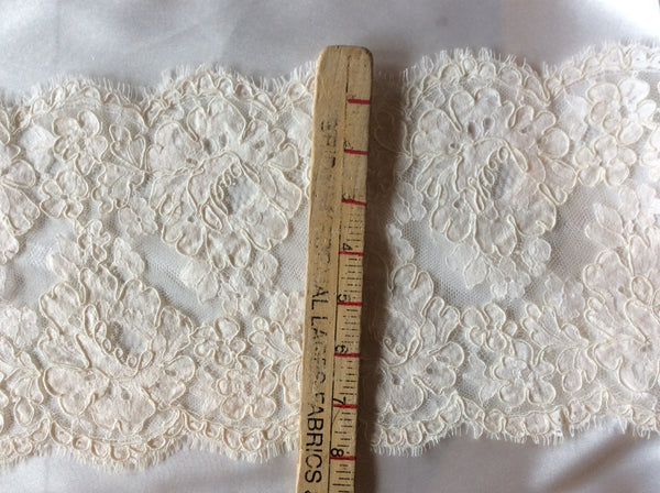 "8"" French Alencon Lace Trim Color: Silk White"