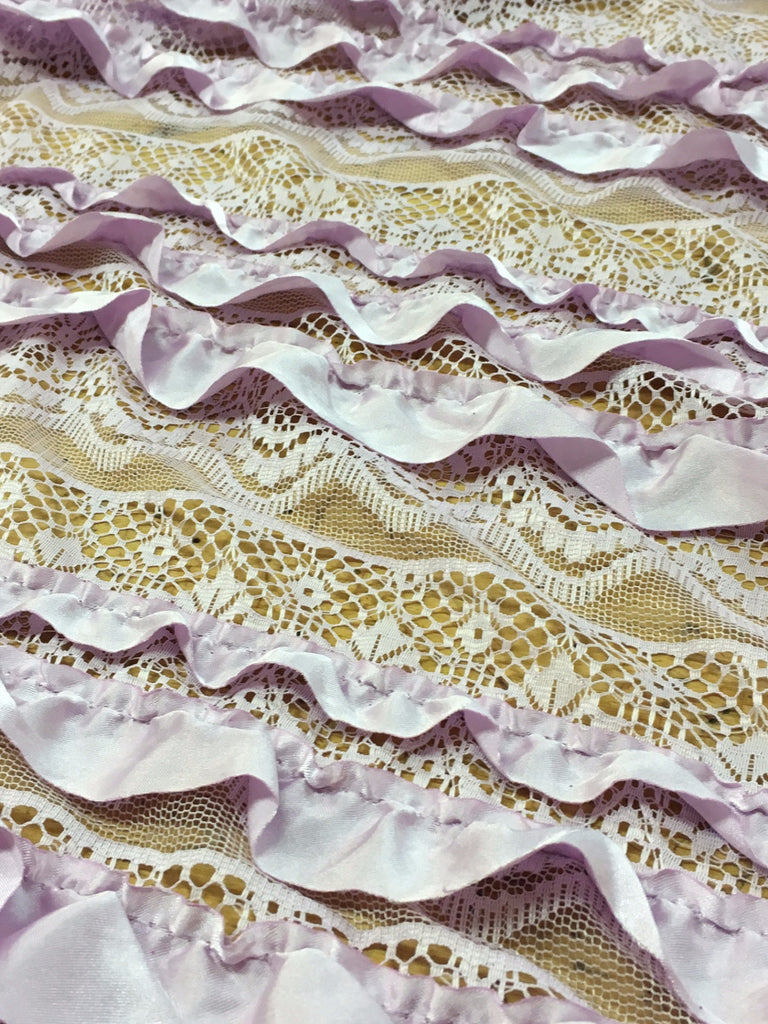 Ruffle lace in Lavender