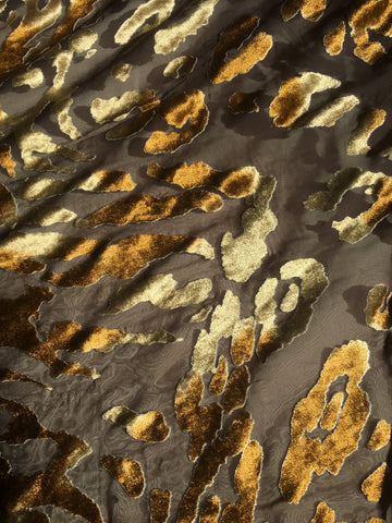 Animal Burnout Velvet in brown and gold
