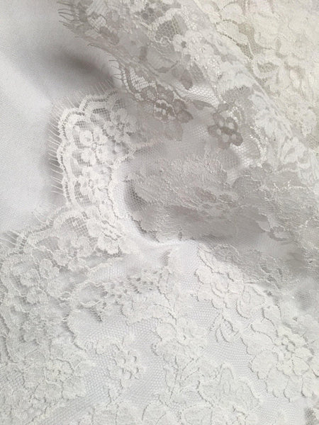 "11"" Ivory Chantilly lace trim Border"