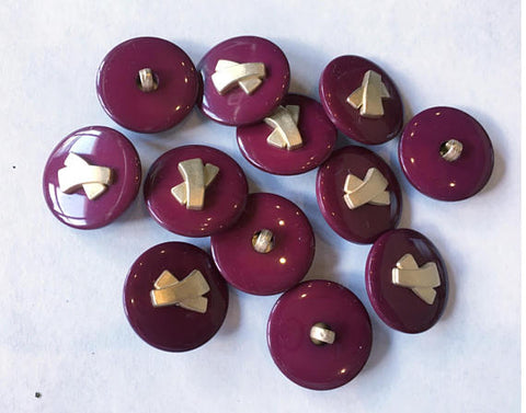 Medium Plum sewing buttons 19 mm 3/4 inch sewing buttons, 6 vintage, plastic buttons, with gold accent.