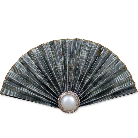 Grey/Pearl Fan Brooch