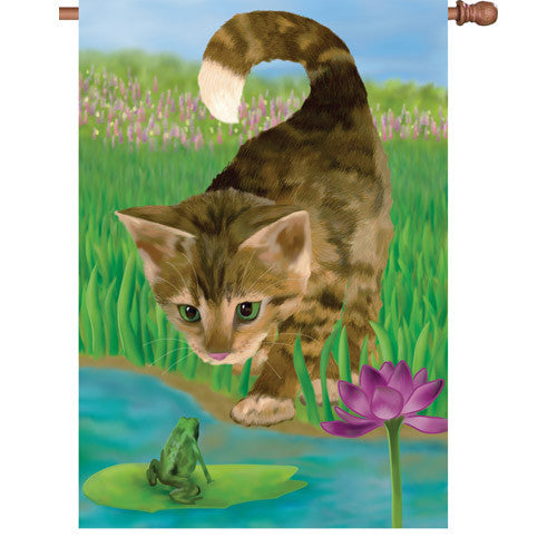 28 in. Frog & Cat House Flag - Nice to Meet You