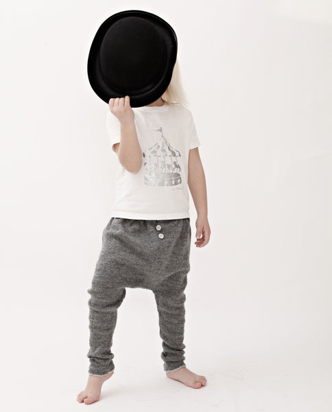 Baggy Trousers (€6,50)