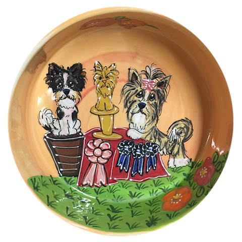 photo of viewer at winners table of kennel club breed dog show, ceramic trophy bowl, Westminster kennel club, by Debby Carman, faux paw