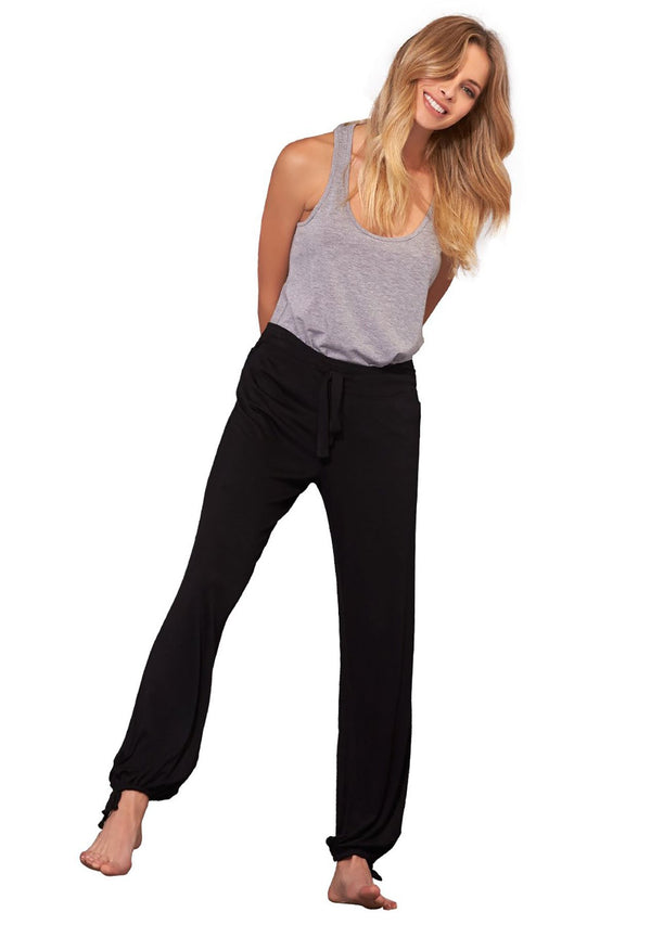 Essential Shirred Pant in BLACK