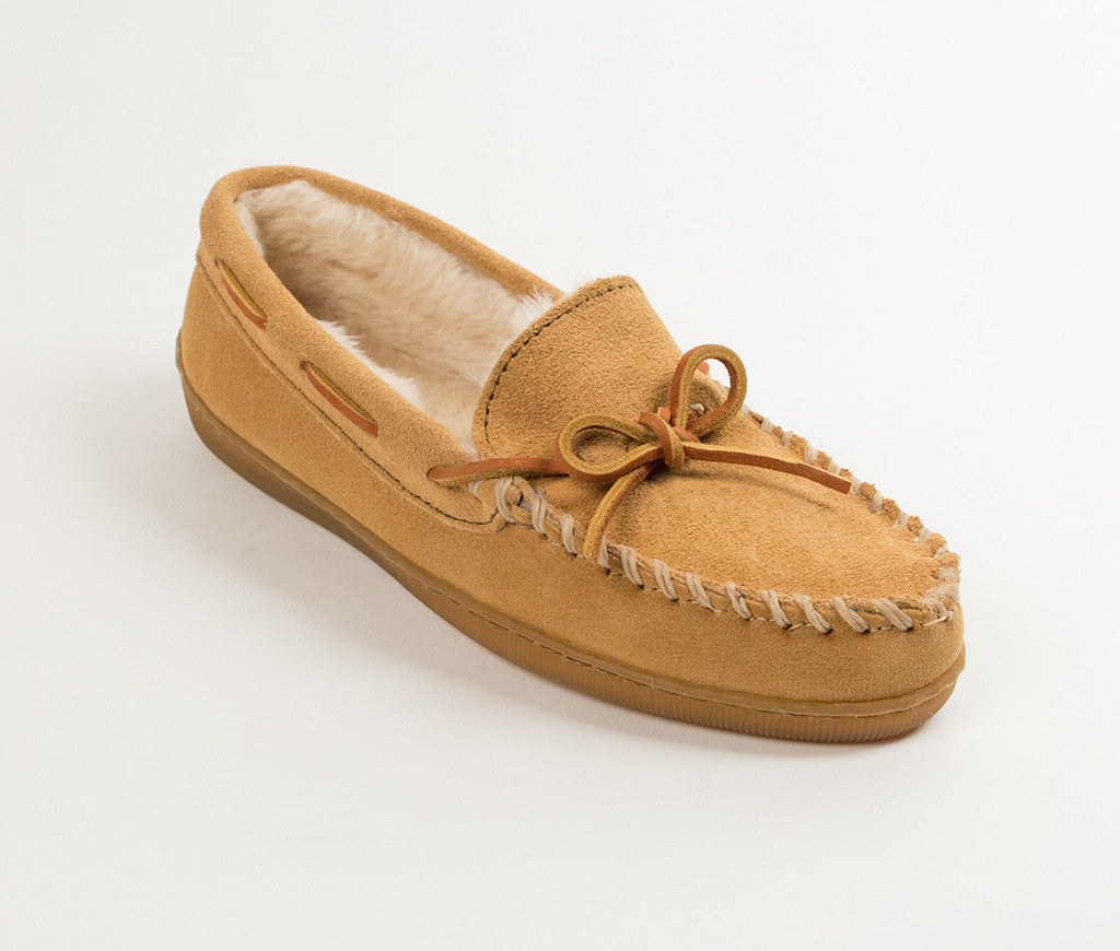 Men's Minnetonka Pile Lined Hardsole Moccasin Slipper #3901